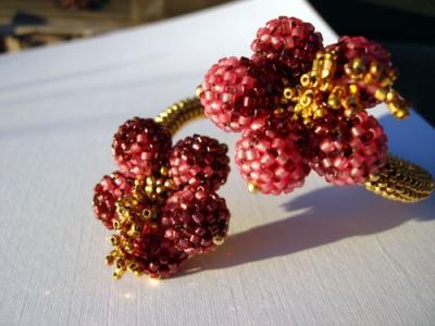 bracciale rigido di conterie perline by scarlett lanson