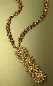 collana con swarovski e conterie by scarlett lanson