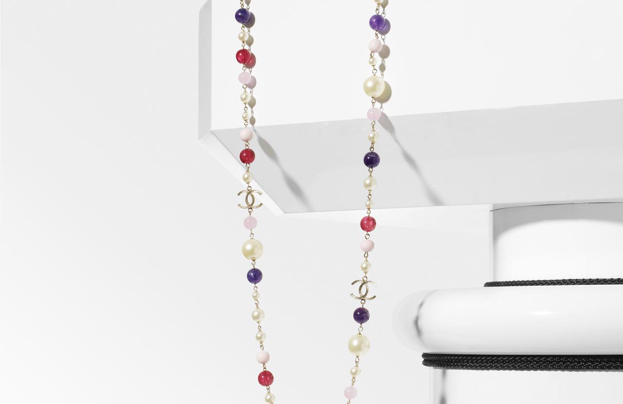 chanel-sautoir-perle-multicolor-pe_2010