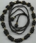 Collana nera con nodi cinesi