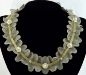 Collana in stoffa con perle