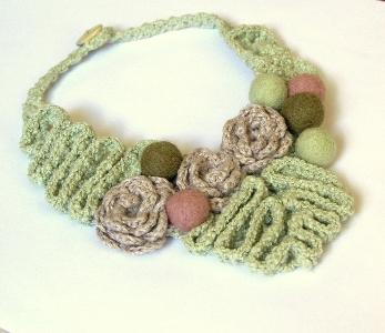 collana uncinetto lana