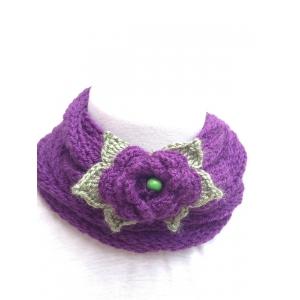 collana fatta a mano con lana e uncinetto