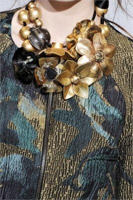 Collana Marni con fiore color oro