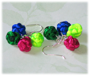 orecchini con nodo cinese a bottone