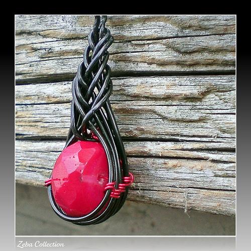 pendente in metallo con nodi cinesi by zeba