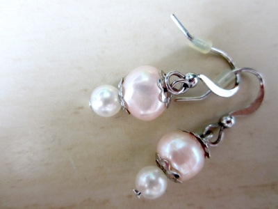 Orecchini fai da te con perle video blog gioielli e bijoux for Orecchini con pietre dure fai da te