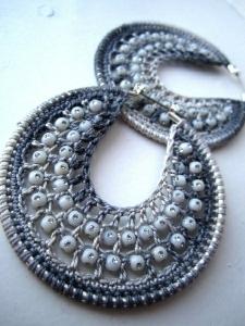 orecchini uncinetto cerchio con perline fai da te