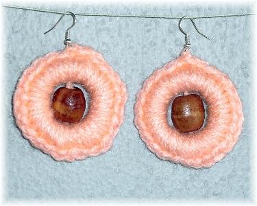 orecchini uncinetto a cerchio perla centrale