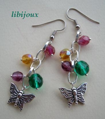 Orecchini con cristalli e farfalline in argento