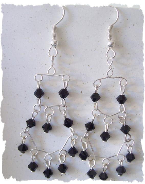 Orecchini in filo metallico by alicreative