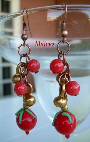 Orecchini con perle di vetro e pendenti in bronzo by libijoux