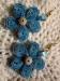 Orecchini quilling fiore blu