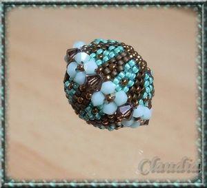 sfera di perline e conterie