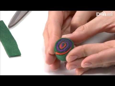 Collana con caramelle in panno lenci