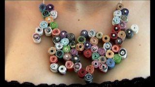 Come fare una collana con carta riciclata