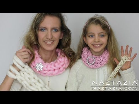 Come fare una sciarpa collana a maglia con le dita