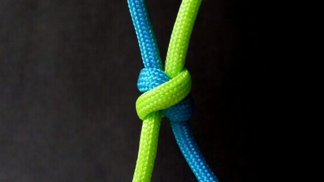 How to tie Shamrock knot